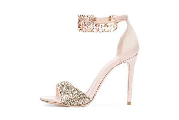 Sapatos Monique Lhuillier